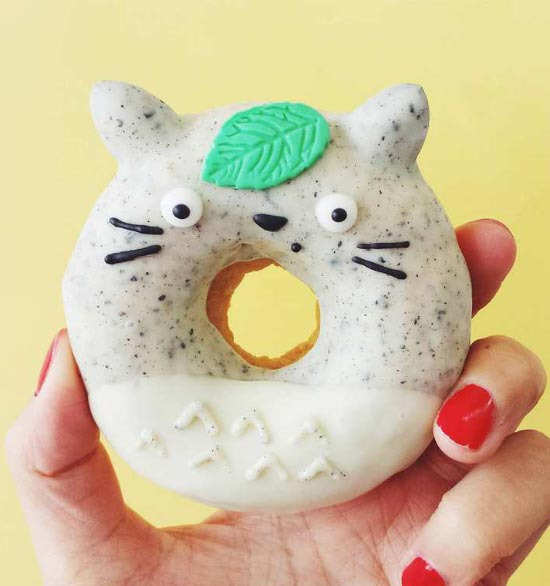 Vickie-Liu-cute-cat-donut